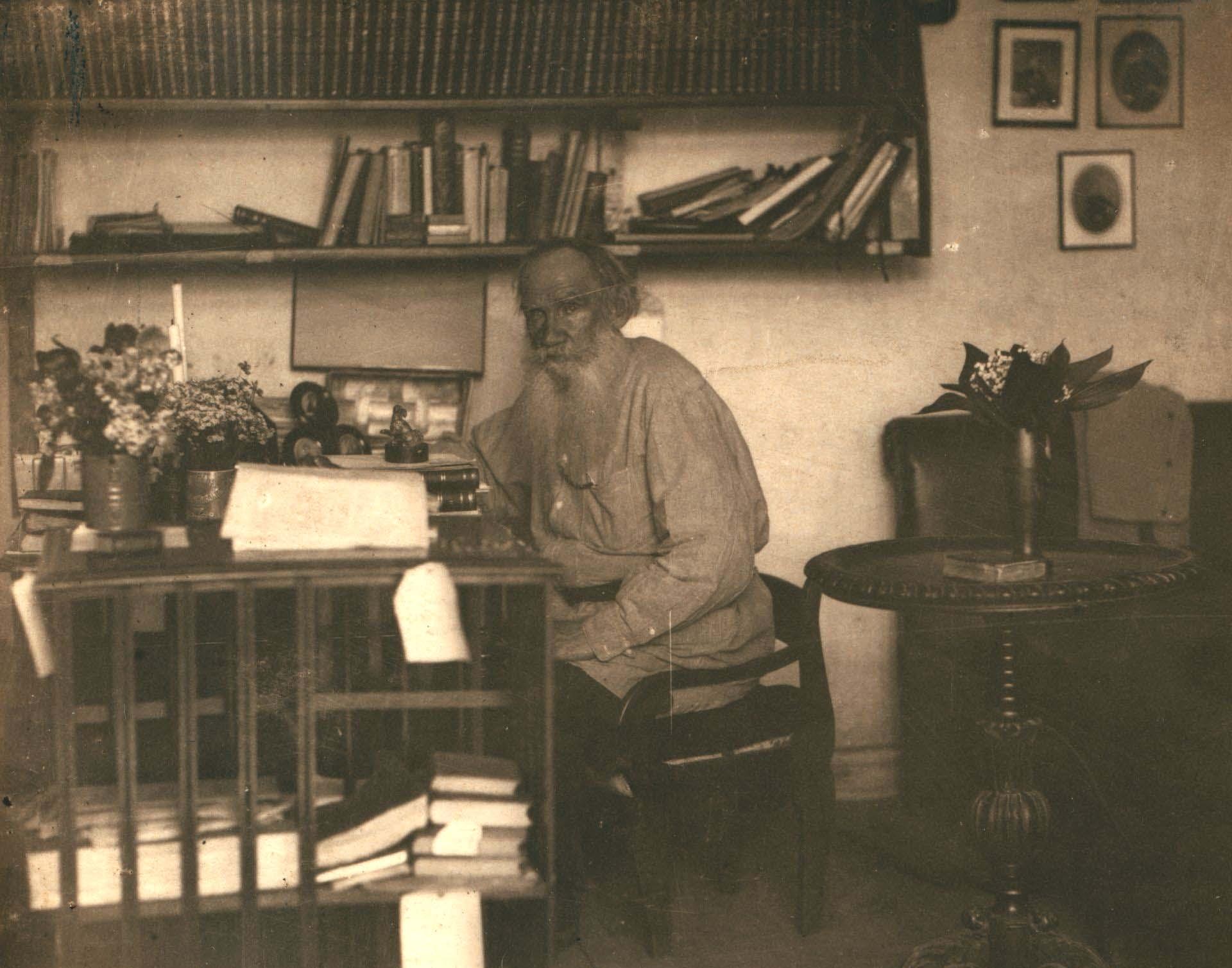 Tolstoy-yalnizlik