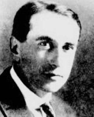 Vicente-Huidobro-kimdir